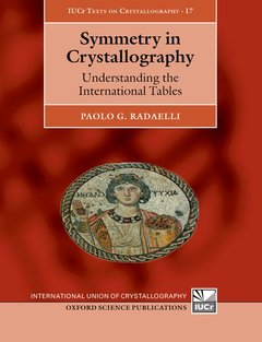 Couverture de l'ouvrage Symmetry in Crystallography