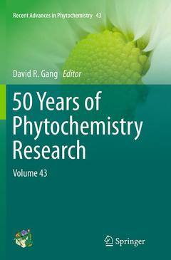 Couverture de l'ouvrage 50 Years of Phytochemistry Research