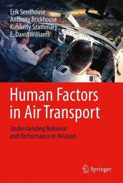 Couverture de l'ouvrage Human Factors in Air Transport